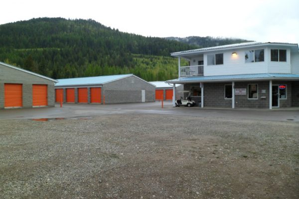 Super Self-Storage Salmon Arm building